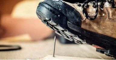 Características de las botas y zapatillas para trabajos de seguridad