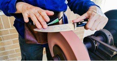 Cómo afilar tijeras y cuchillos industriales