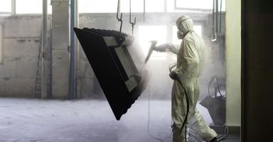 En qué consiste la limpieza con chorro de arena